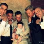 photo de baptême entre hommes