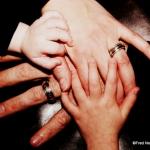 mains de toute la famille