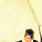 petite fille en robe de mariée