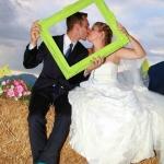 baiser de mariés romantiques