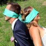 mariés yeux bandés