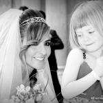 Mariée et petite fille d'honneur