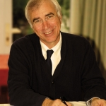 portrait homme PDG président de groupe