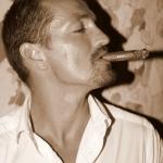 portrait homme au cigare